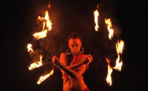 Wachlarze ogniowe kuglarstwo