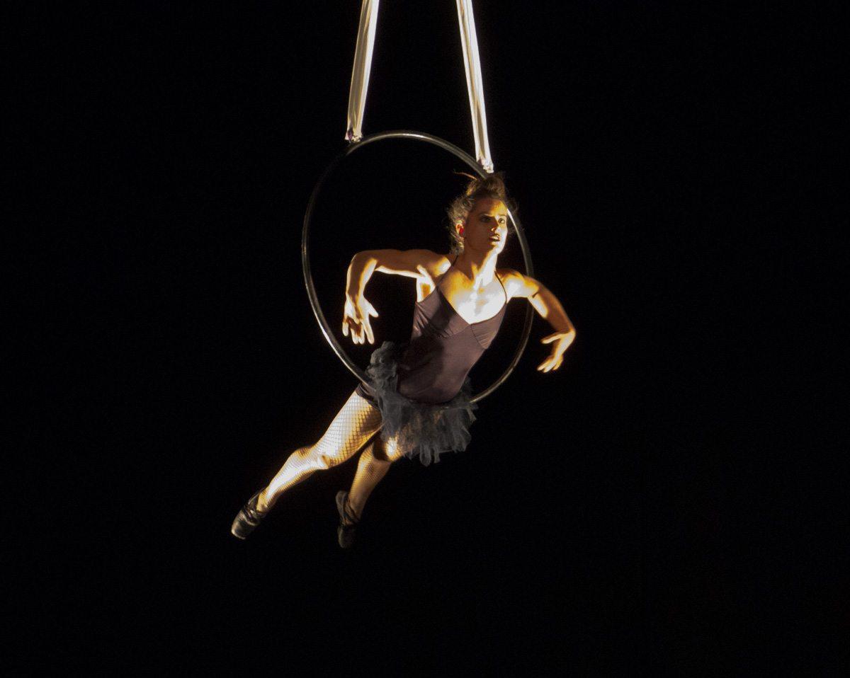 Sophie Zoletnik aerial hoop