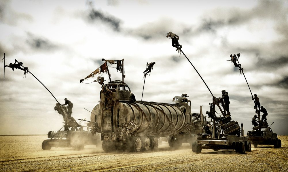 """chińskie pale i """"koty"""" w filmie Mad Max"""