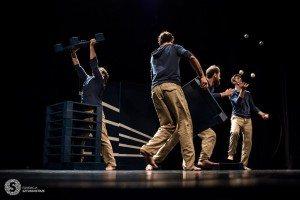 """Jesienna scena nowego cyrku :""""Spektrum"""" - spektakl Kolektywu LŁ @ Teatr Szwalnia"""