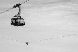 """""""Alex Schulz kontra kolejka linowa"""" podczas Highline Extreme 2015. Foto: Christiane Licht"""