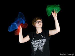 żonglowanie chustami