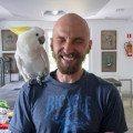 Historyjka o Panu Ząbku, Koko i Malini Egg - Pan Ząbek się śmieje, a Koko na niego patrzy ze zdziwieniem